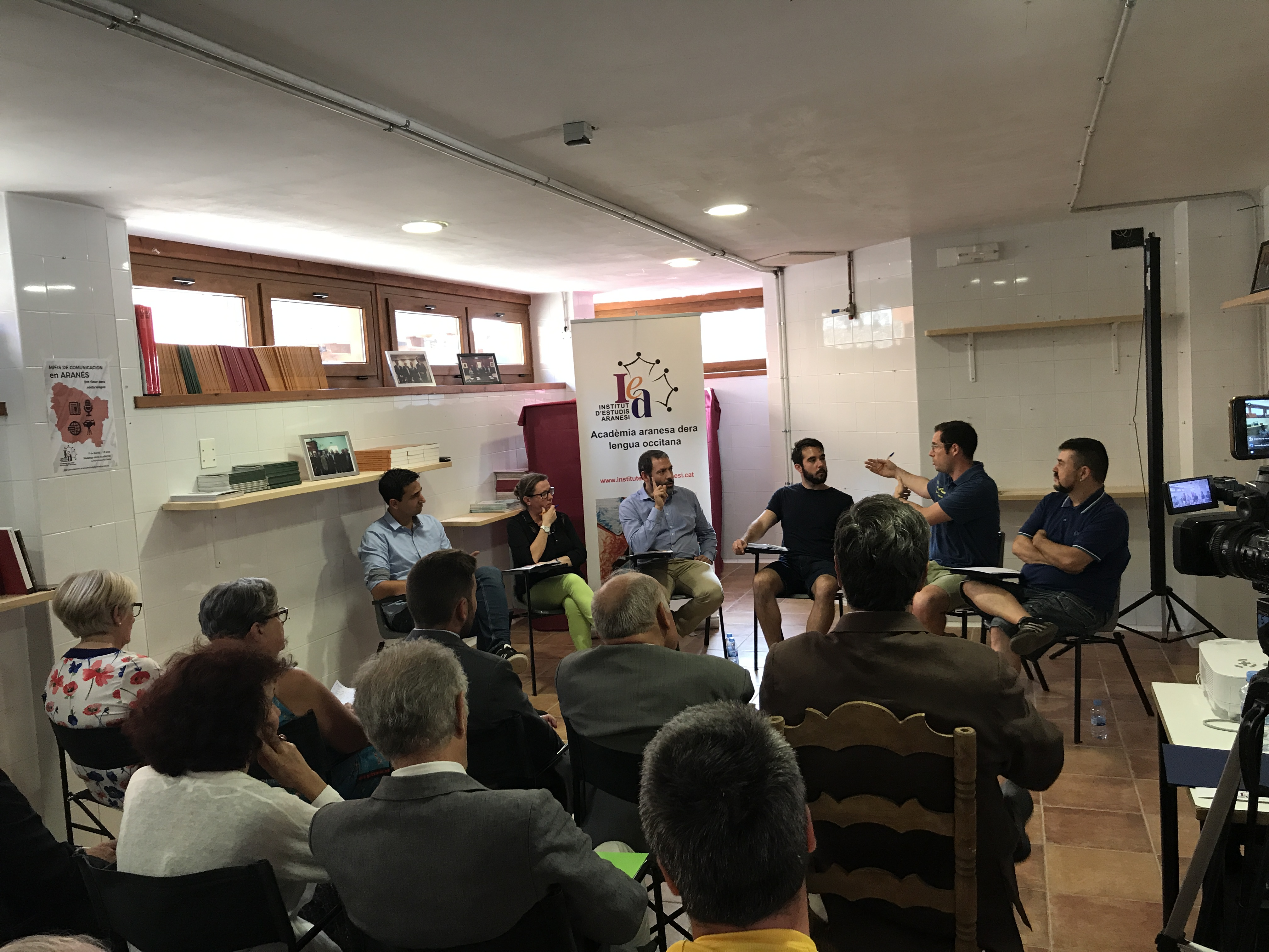 Debat Sus Mieis De Comunicacion En Aranés